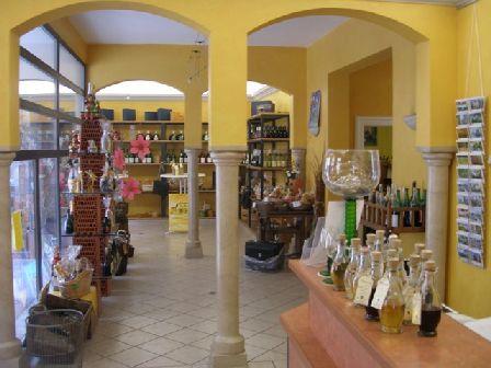Verkaufsraum-weingalerie in Weinatelier